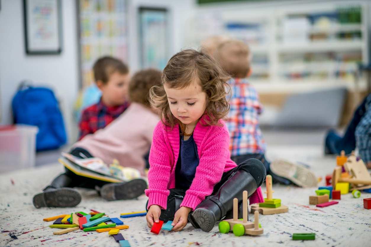 maestre maltrattano i bambini