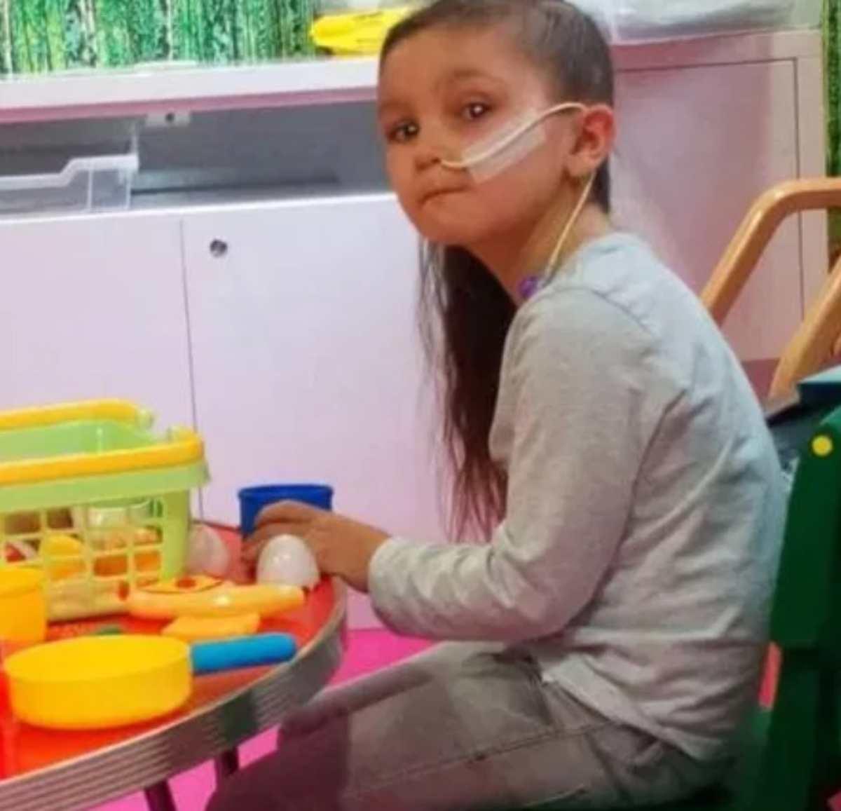 bambina con tumore insultata 3