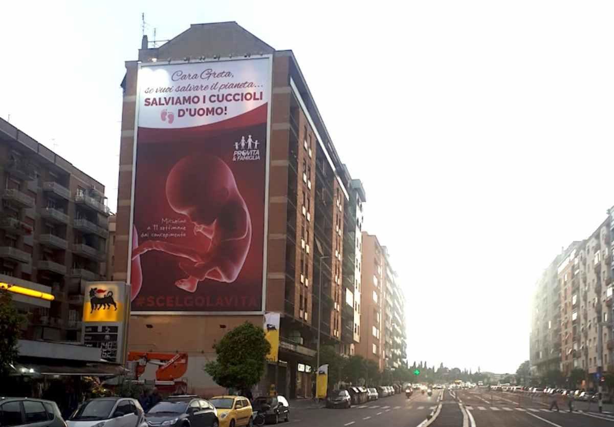 cartellone anti abortista