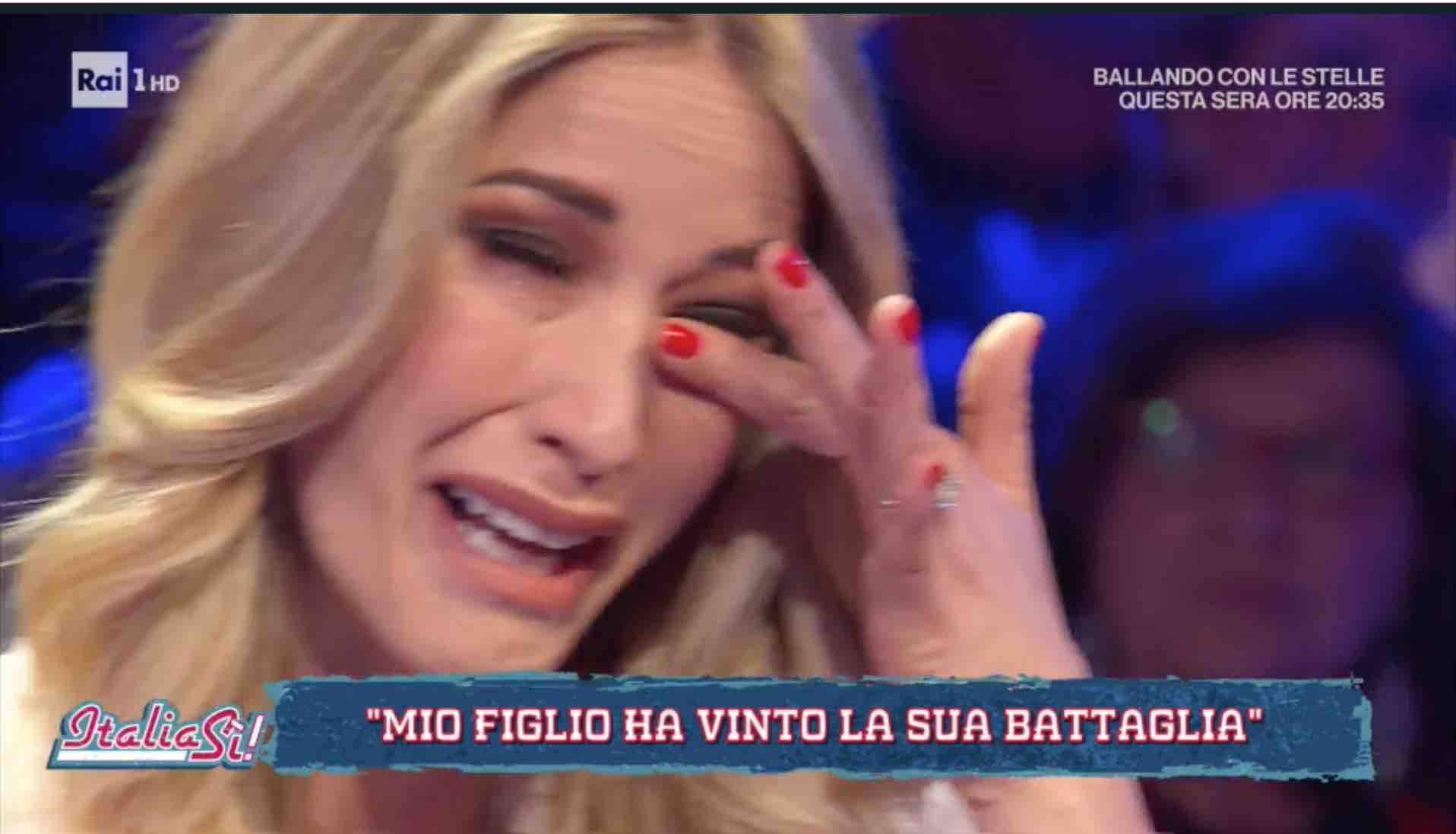 elena santarelli piange