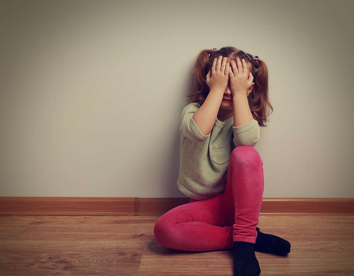 bambina molestata dal domestico