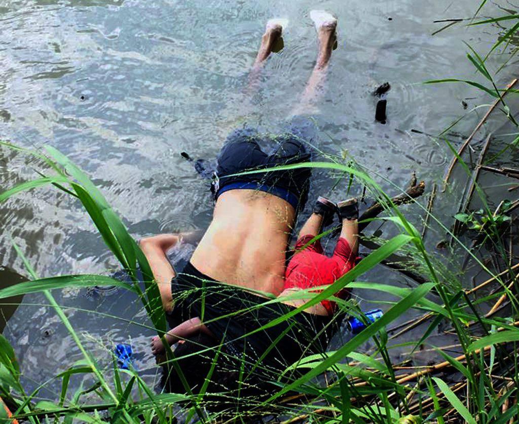 padre e figlia migranti