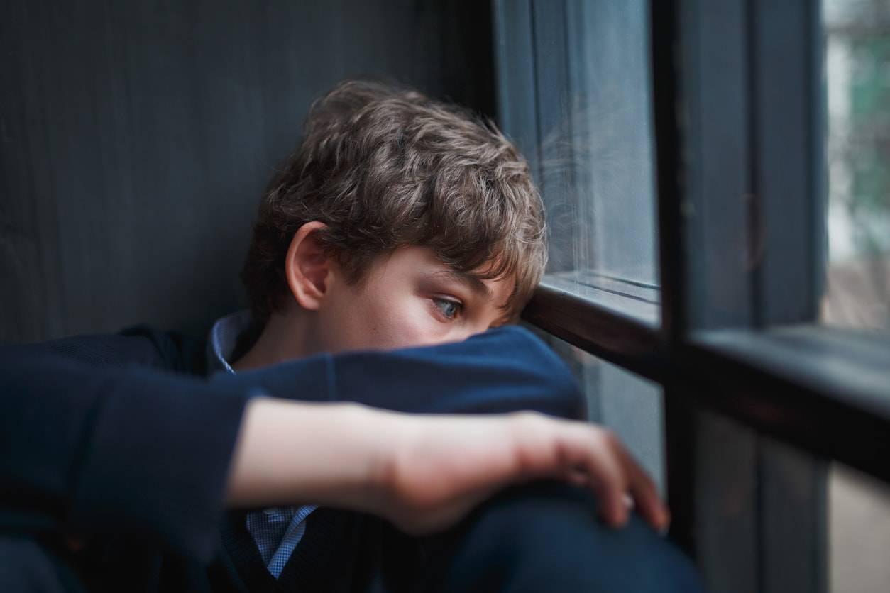 Adolescente isolato