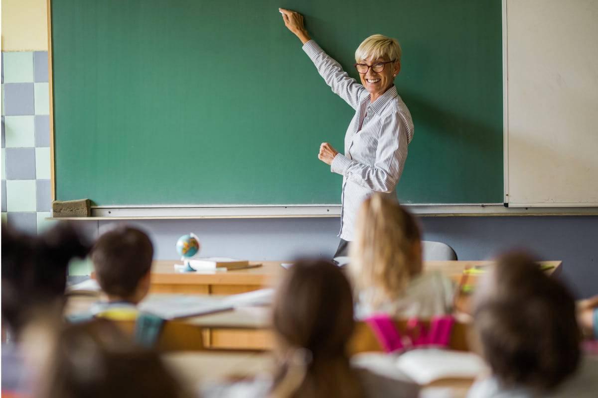 pagate di più gli insegnanti