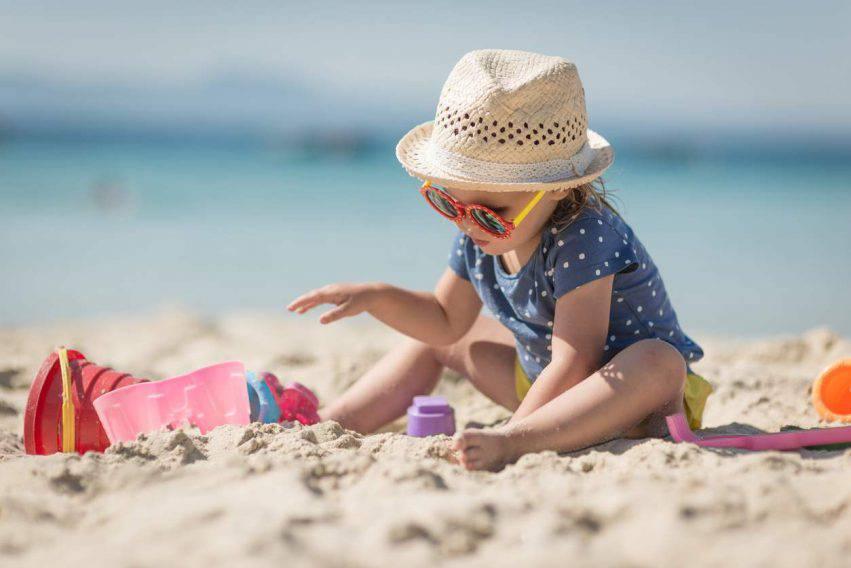 pedofili in spiaggia