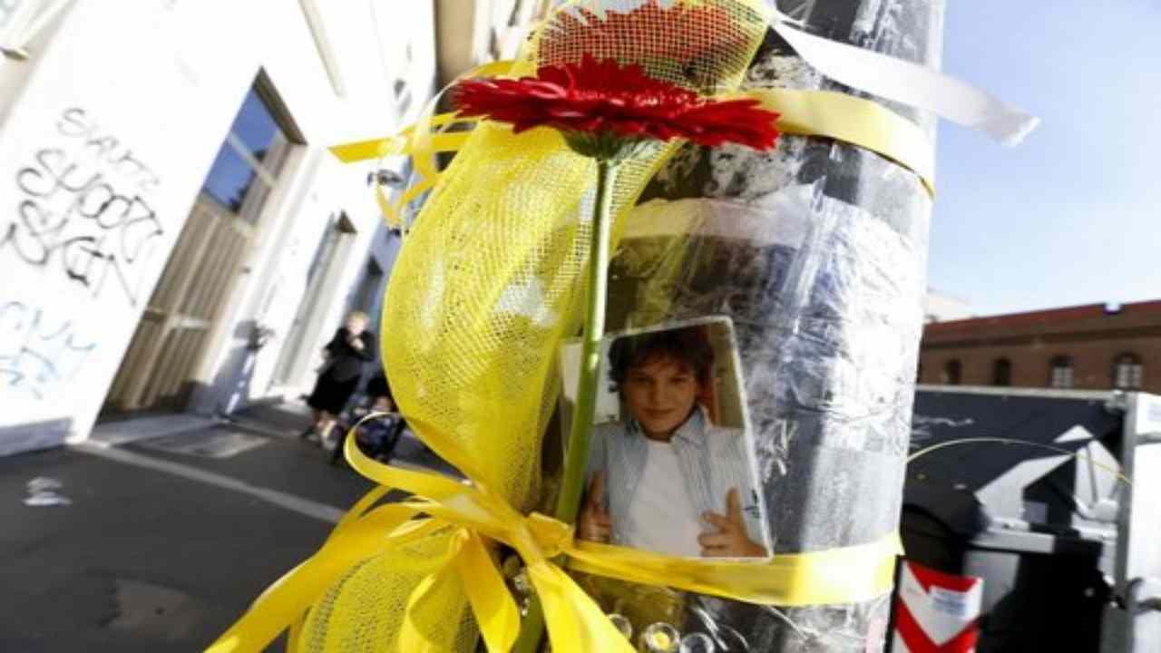 13enne muore per una digrazia: il suo ricordo distrutto da vandali e ricostruito dalla mamma – FOTO