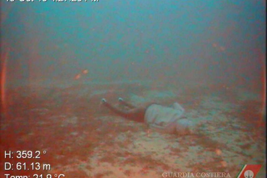 12 corpi trovati in fondo al mare 6