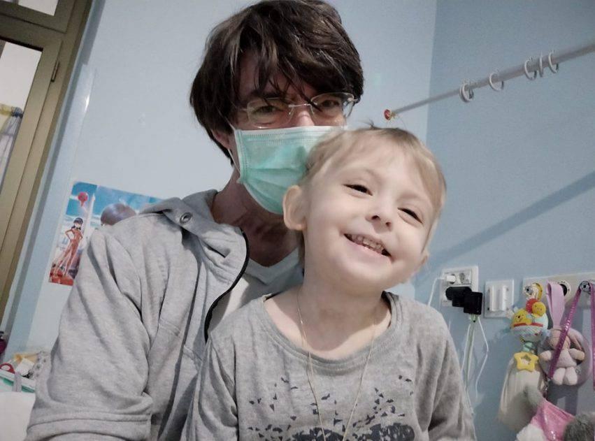 giocattoli rubati bambina leucemia