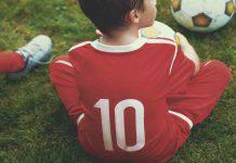 bambino escluso dalla scuola calcio