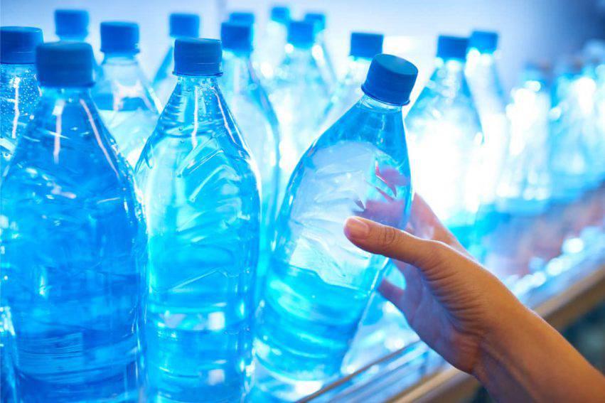 tappi bottiglie acqua
