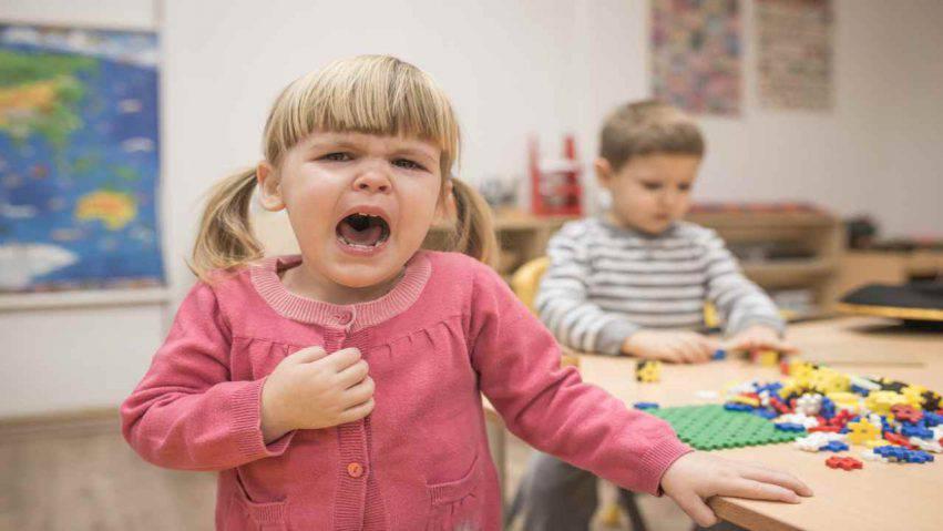 Maestra maltratta bambine