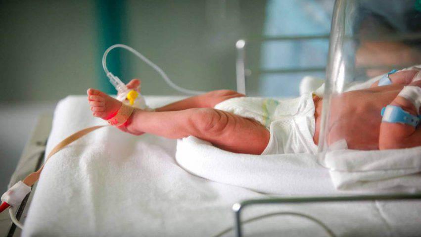 neonato scosso mamma
