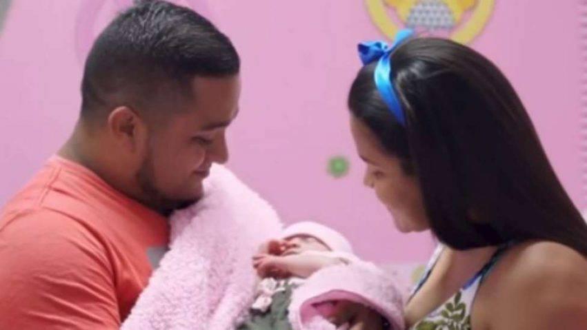neonata nasce incinta 11