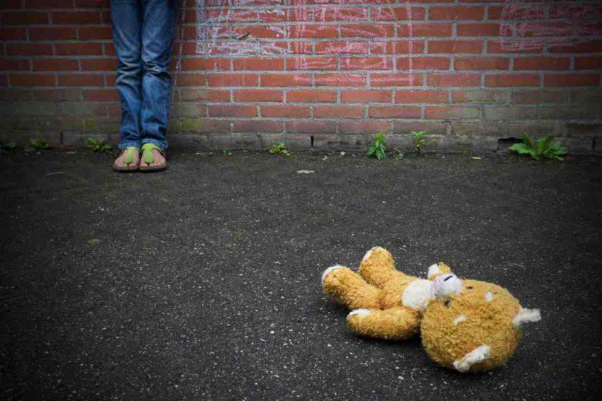 bambina violentata dallo zio