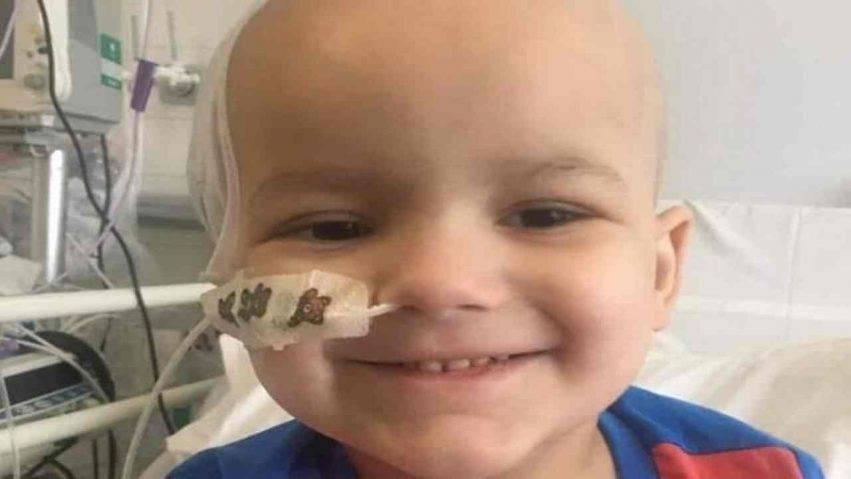 Bambino di 3 anni con tumore