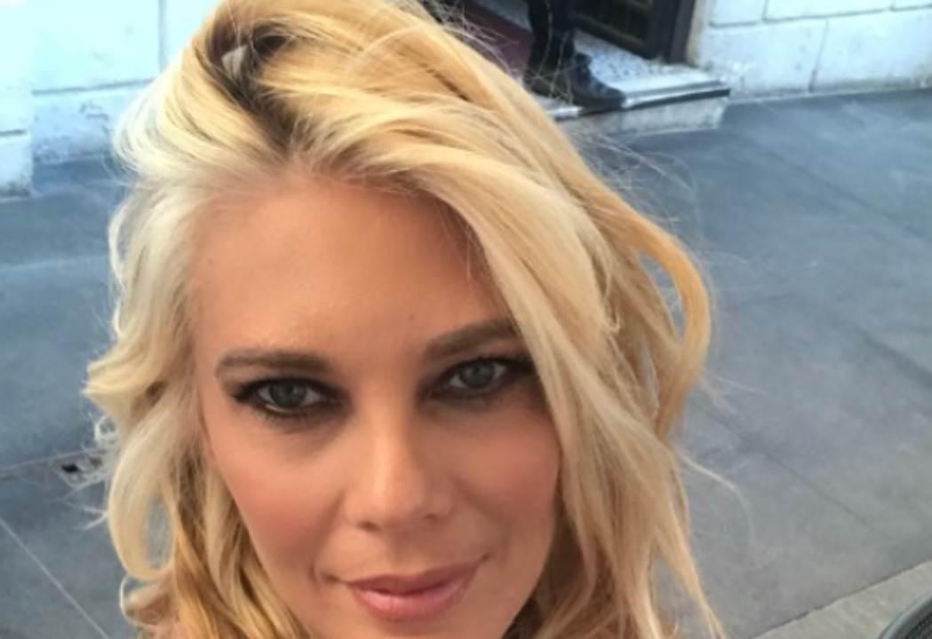 Eleonora Daniele incinta: l'annuncio commosso e il nome scelto   VIDEO