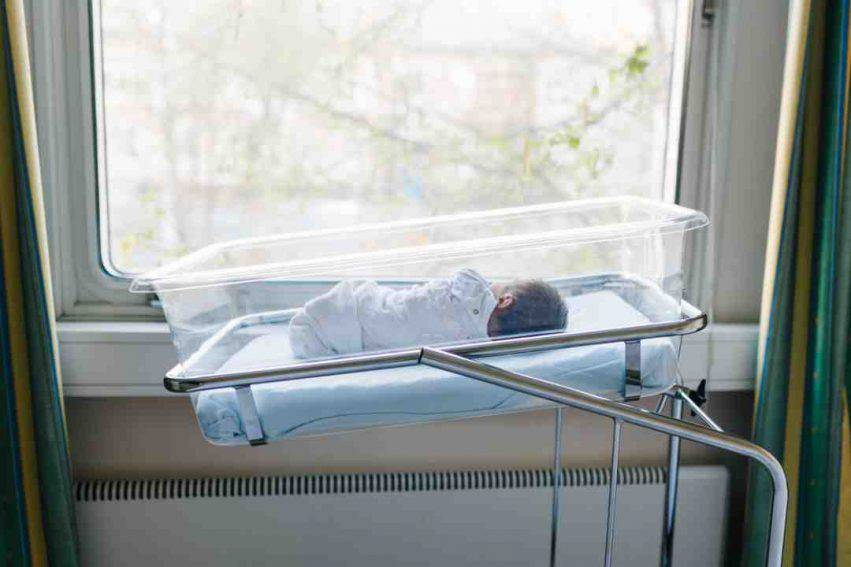 neonato muore dopo 2 giorni