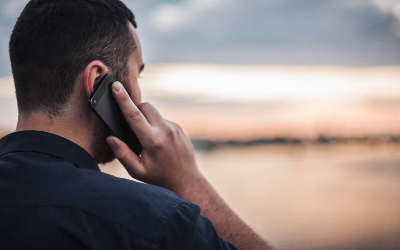 L'uso del telefono cellulare provoca il cancro:  la sentenza che fa discutere