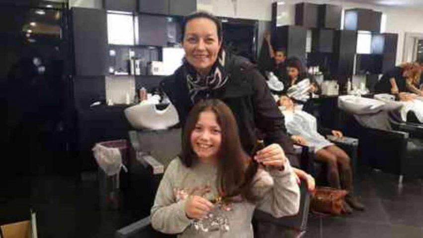 bambina dona i capelli