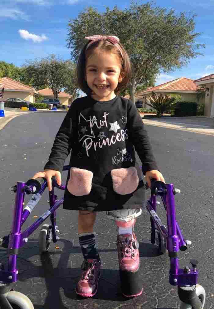 bambina con una malattia rara 12