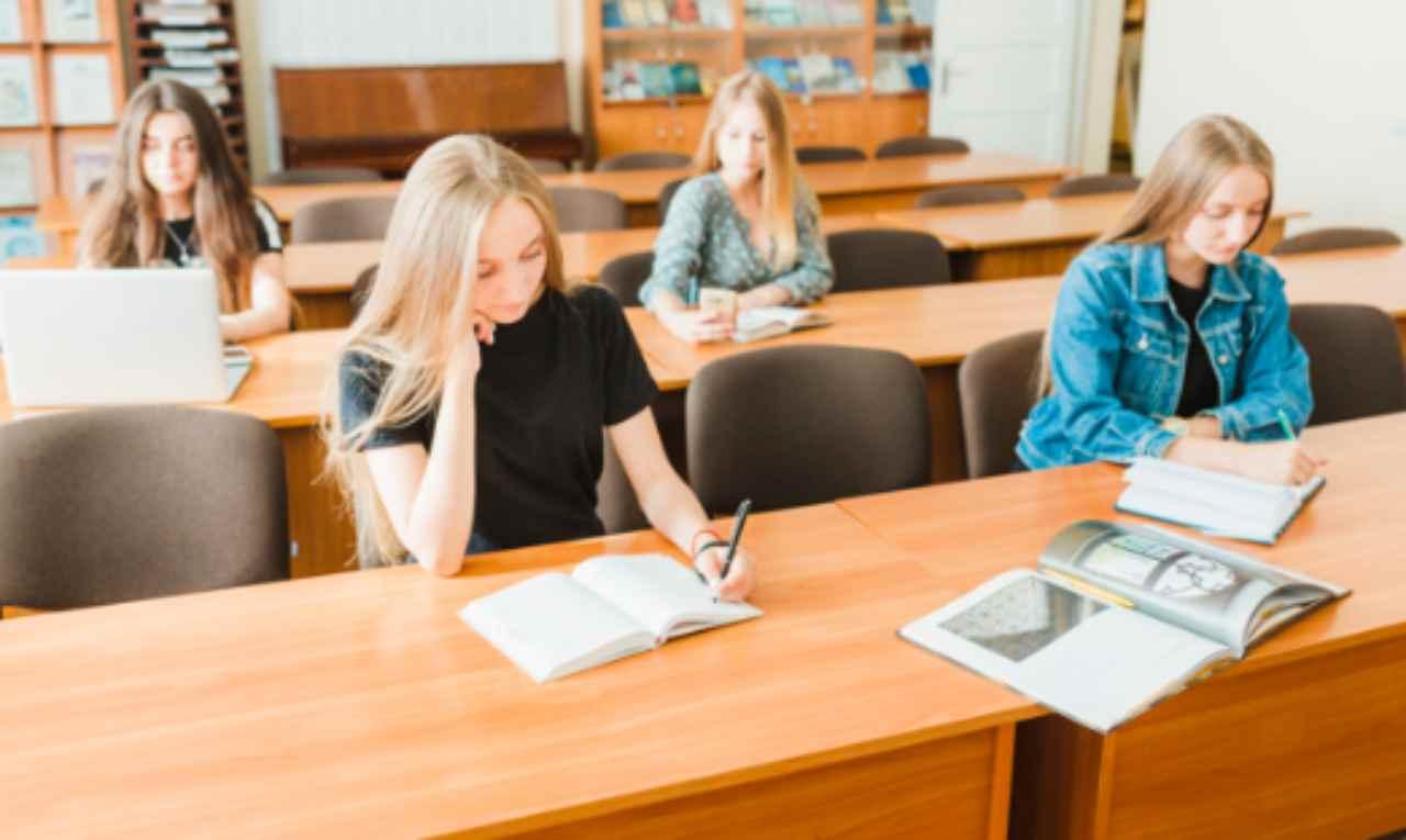 Rientro a scuola e esame di maturità: gli ultimi chiarimenti della ministra Azzolina