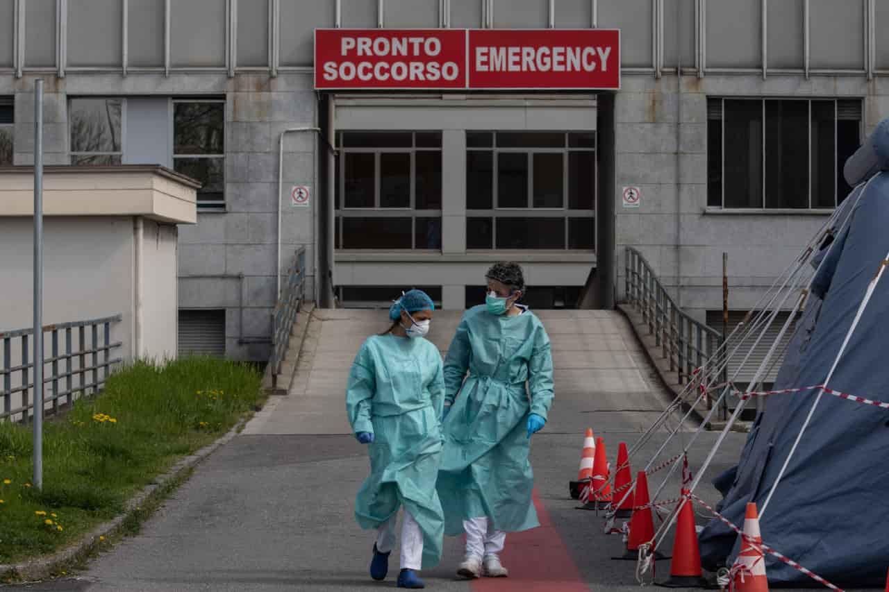Decessi per Coronavirus: le caratteristiche dei pazienti nel nuovo rapporto ISS