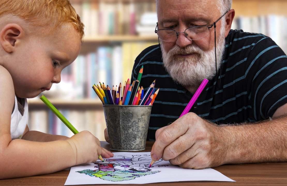Rapporto nonni e nipoti: una delle cause della letalità da Covid 19 | FOTO