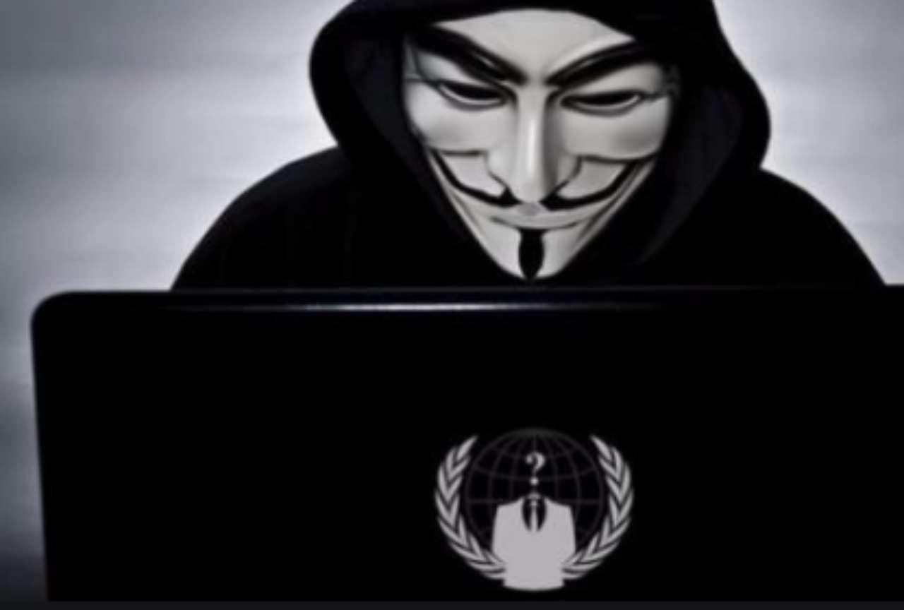 Anonymous contro pedofilia e revenge porn