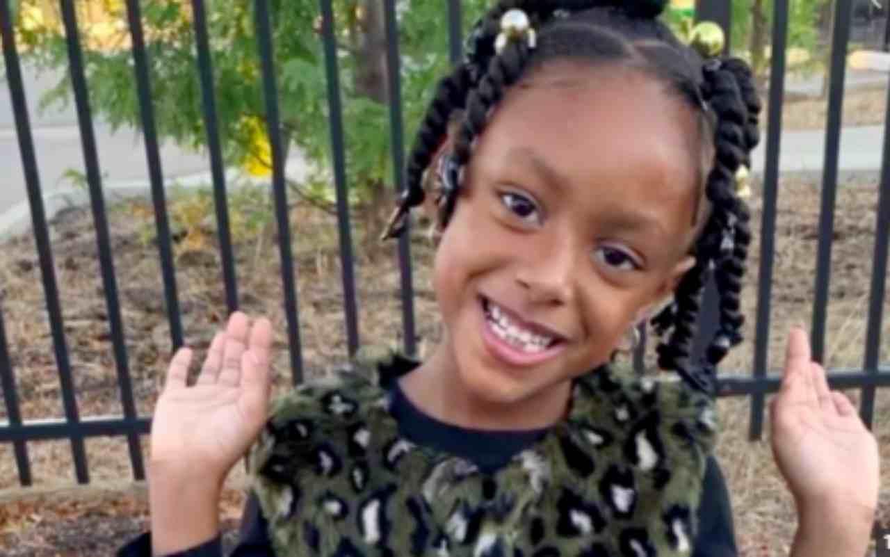 Bambina di 5 anni muore di Covid-19: l'appello dei genitori | FOTO