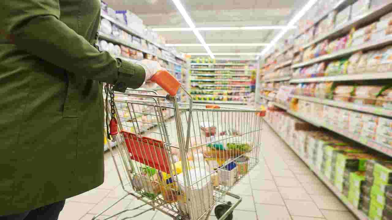 Spesa sicura e igiene degli alimenti: le indicazioni dell'ISS | FOTO