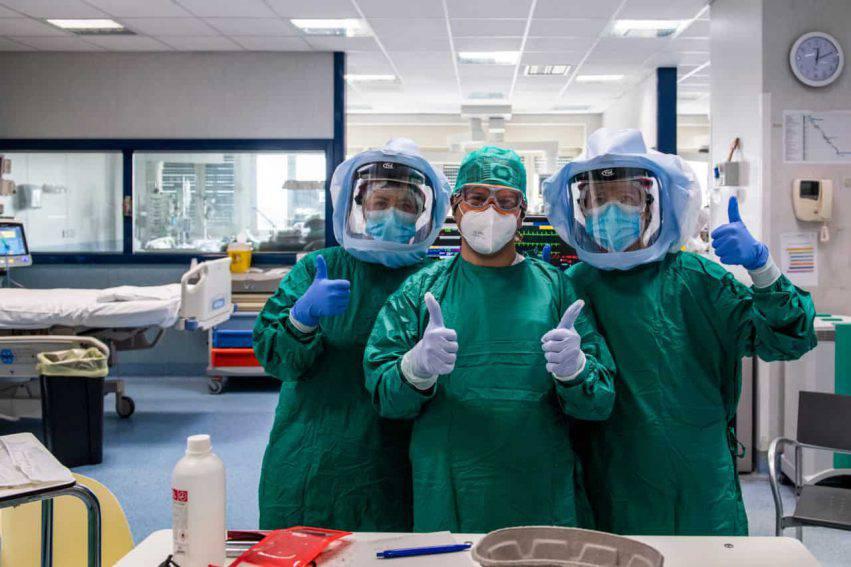 coronavirus italia scendono malati