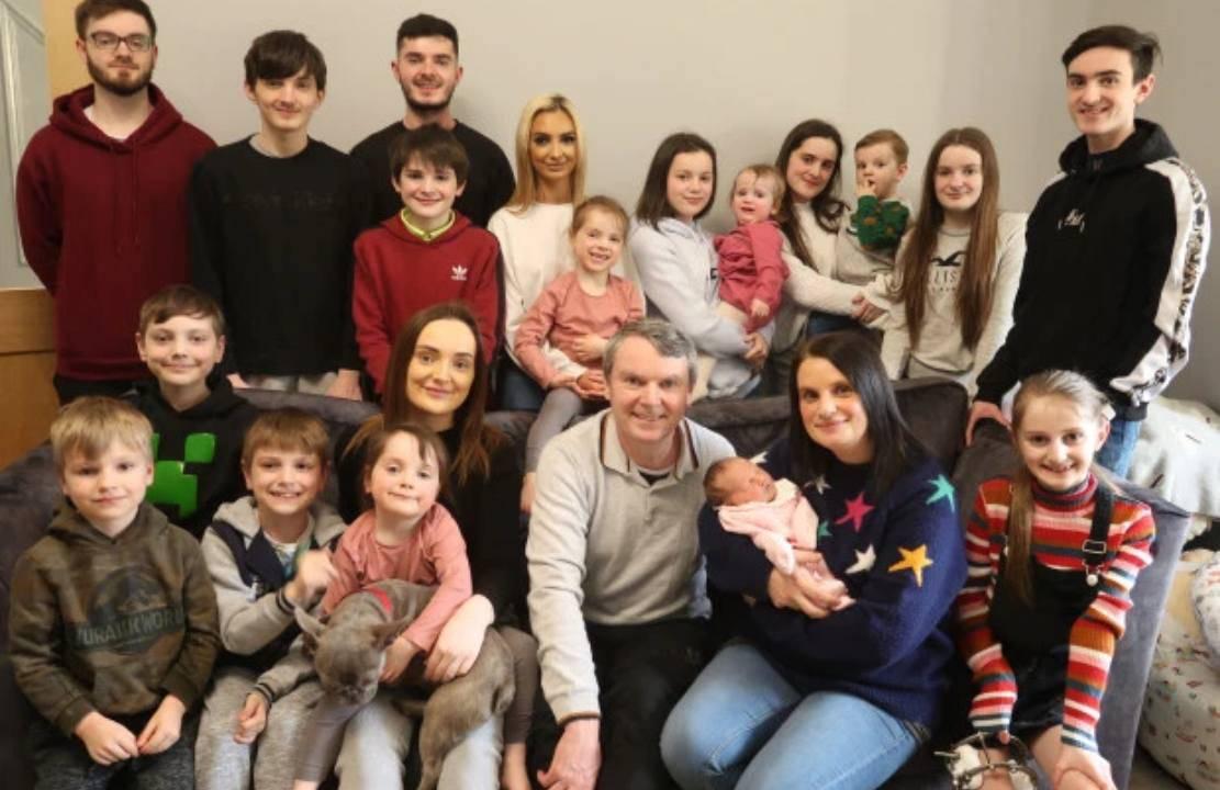 Famiglia con 21 figli annuncia il nome del ventiduesimo | VIDEO
