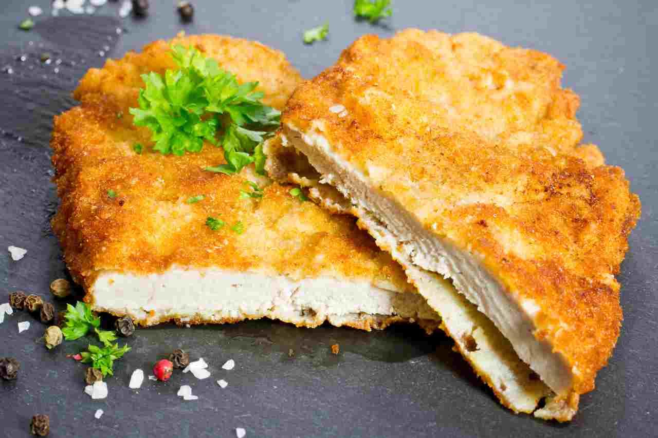 Cotoletta di pollo: solo metà è carne | Il test che lo dimostra