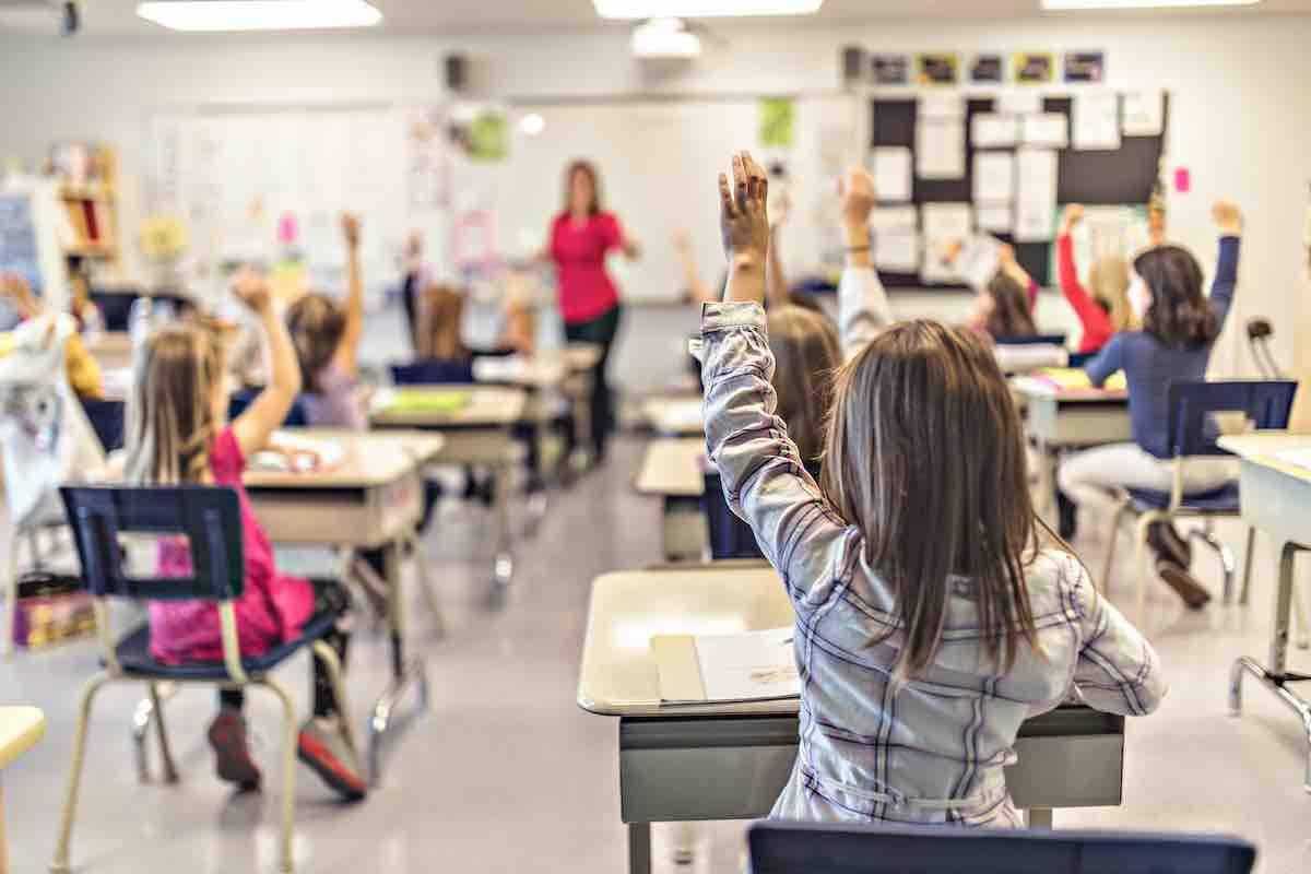Come riaprire le scuole: le linee guida dell'Unicef | FOTO