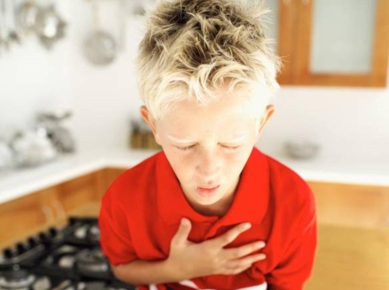 Bambino di 12 anni soffoca mentre mangia una mozzarella