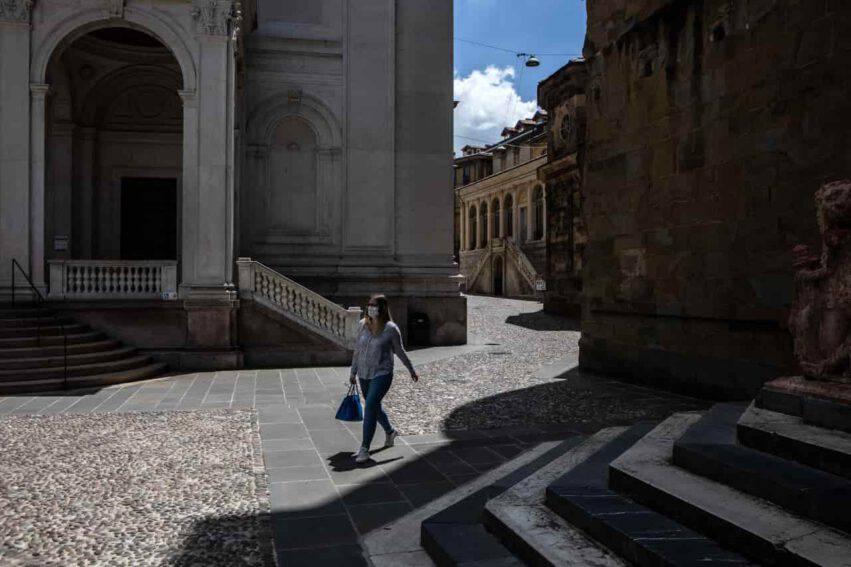 coronavirus italia crollano contagi