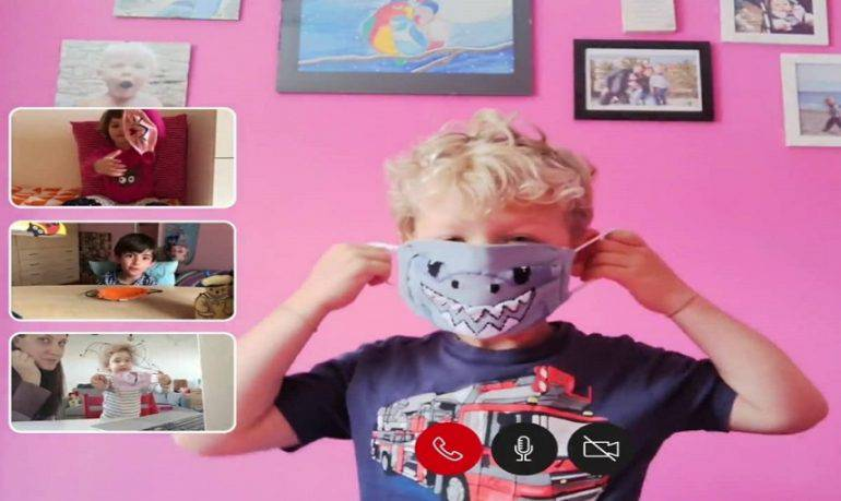 Bambini e mascherina: un gioco per imparare a usarla   VIDEO