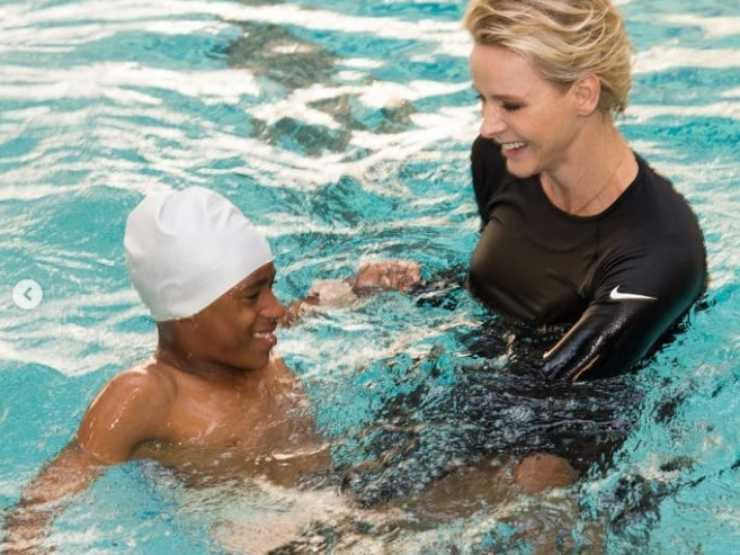 Charlene di Monaco nuoto 9