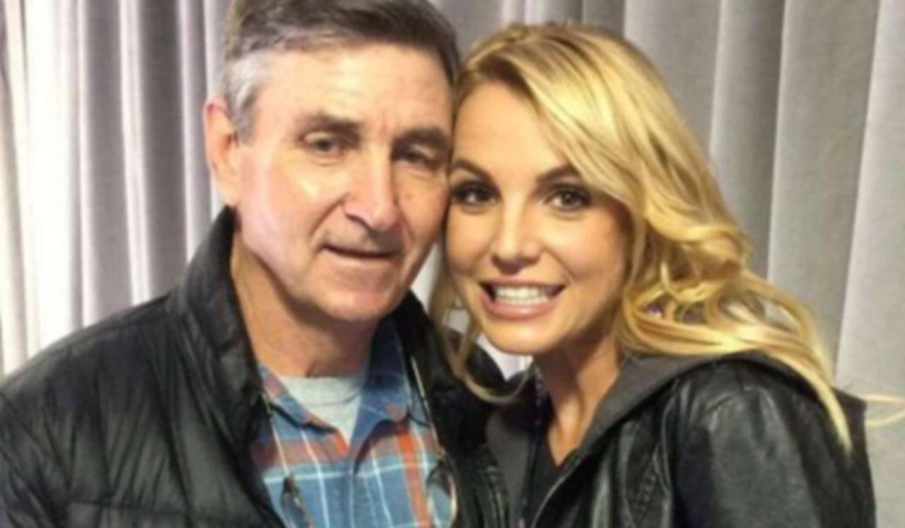 """""""Free Britney Spears"""": la cantante """"prigioniera"""" del padre?   FOTO"""