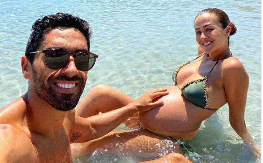 Giorgia Palmas incinta con Magnini