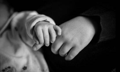 Neonati vittime dei pedofili