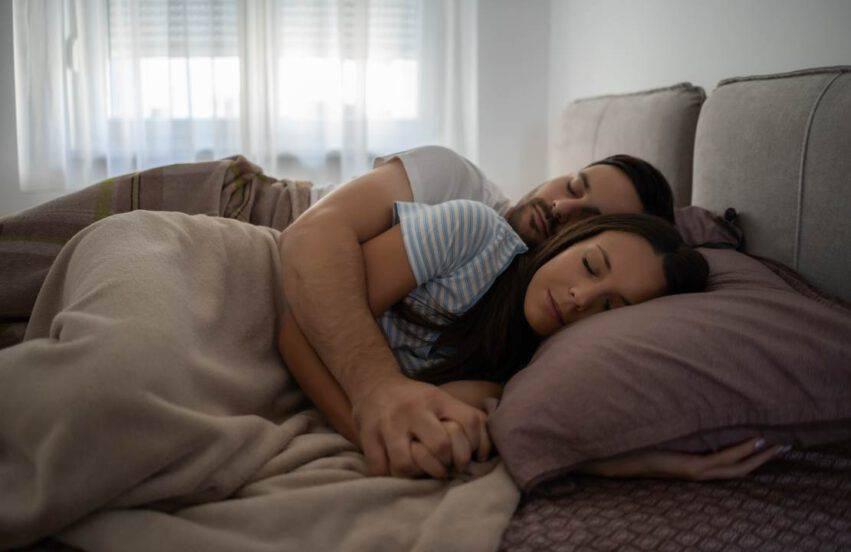 dormire in coppia con la persona amata