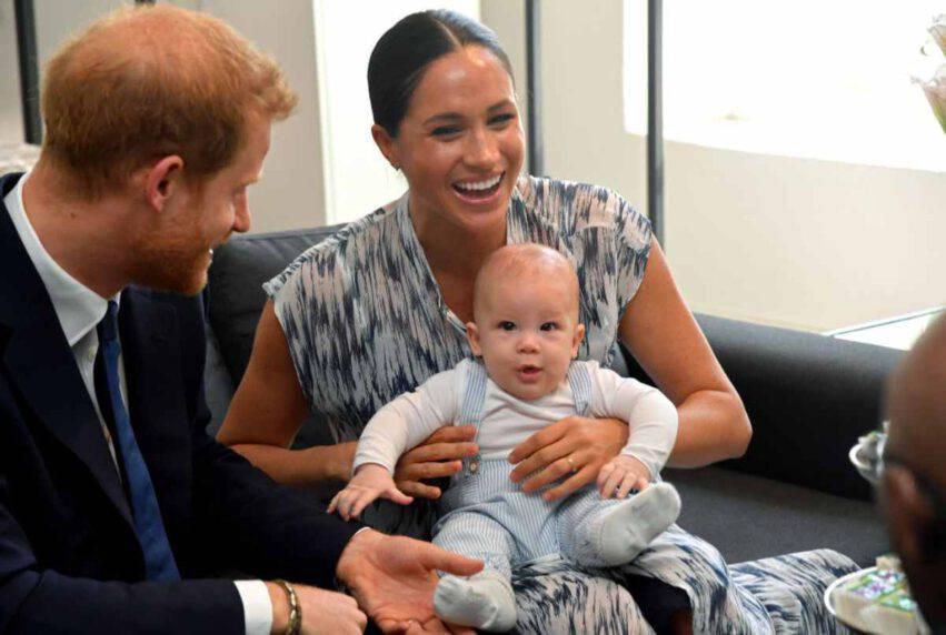 Altro che indipendenza, Meghan e Harry vogliono riconciliarsi con la Regina Elisabetta