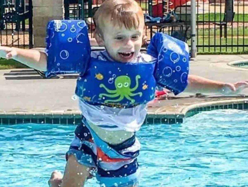 Bambino annegato per giubbino galleggiante
