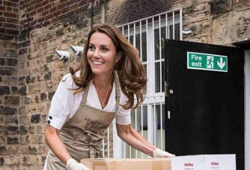 Kate Middleton aiuta i bambini