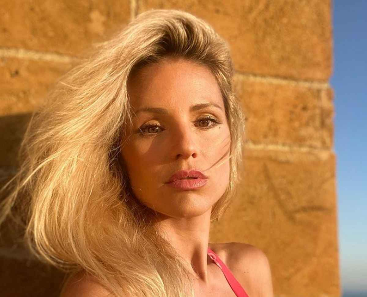 Michelle Hunziker Scala dei Turchi