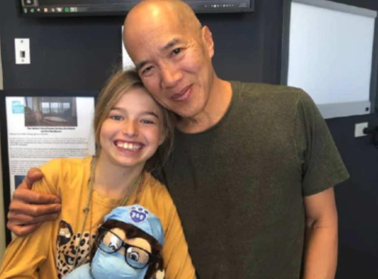 Milli Lucas con il dottor Charlie Teo (fonte Twitter @news.com.au)