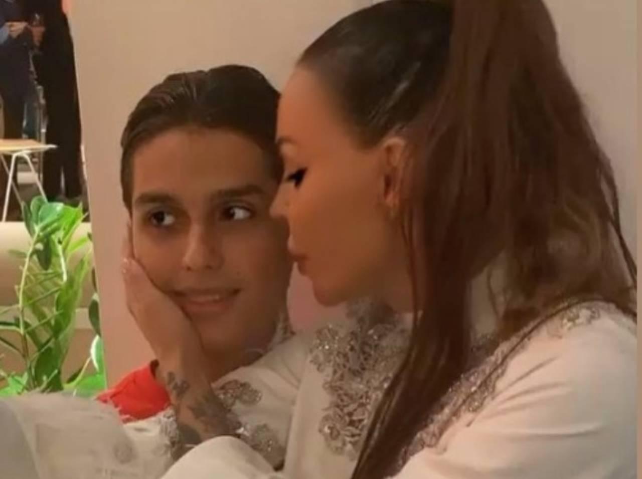 Nina Moric e il figlio Carlos (fonte Instagram @ninamoric)