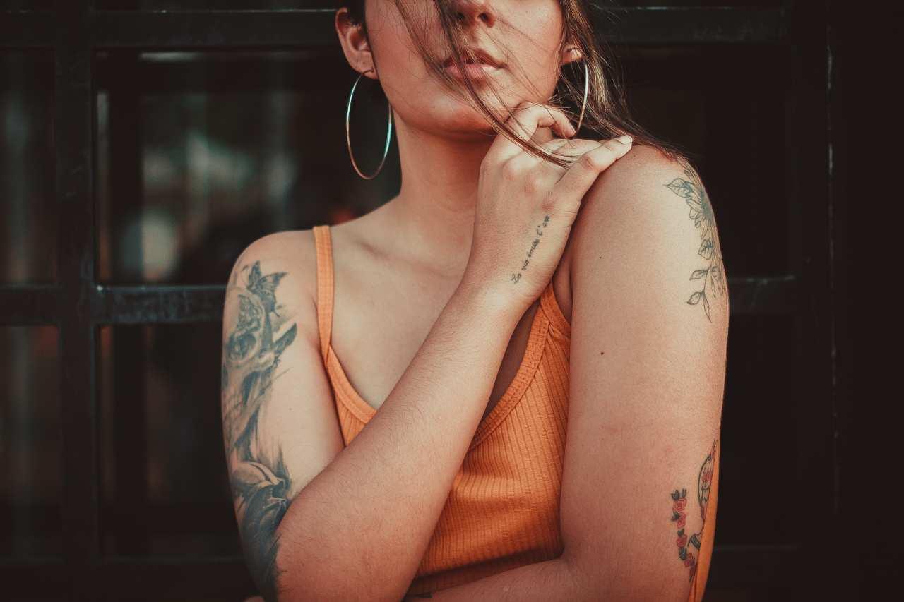 Tatuaggi e gravidanza (fonte unsplash)