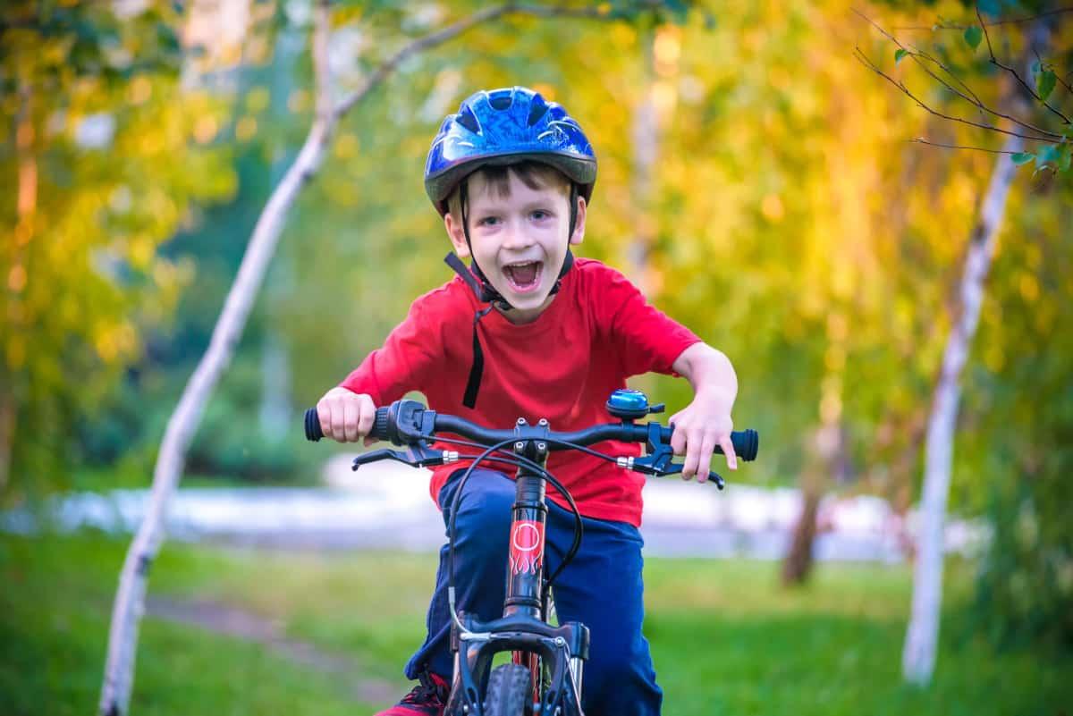 codice strada obbligo casco bici
